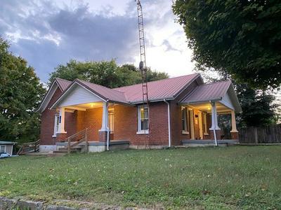 126 E OAK ST, Scottsville, KY 42164 - Photo 1