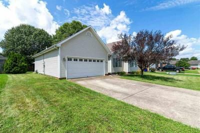 631 CHASEFIELD AVE, Bowling Green, KY 42104 - Photo 2