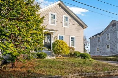 12 BICKNELL AVE, East Greenwich, RI 02818 - Photo 1