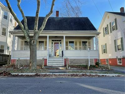 14 LINCOLN AVE, Bristol, RI 02809 - Photo 1