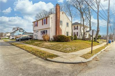 36 VALE AVE, Cranston, RI 02910 - Photo 2