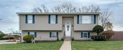136 YOUNGS AVE, Coventry, RI 02816 - Photo 2