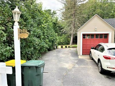 952 GREENVILLE AVE, Smithfield, RI 02828 - Photo 2