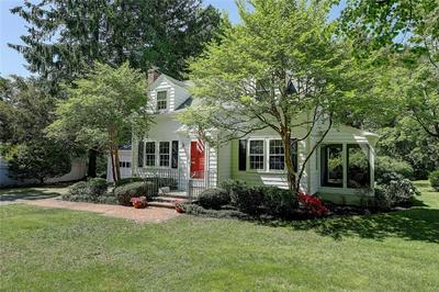 11 CHACHAPACASSET RD, Barrington, RI 02806 - Photo 1