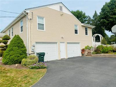 9 LAUREL HILL DR, Smithfield, RI 02917 - Photo 2