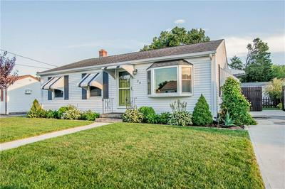 29 VERMONT AVE, East Providence, RI 02916 - Photo 2