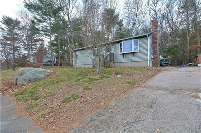 10 TRAFFORD PARK DR, Coventry, RI 02816 - Photo 2