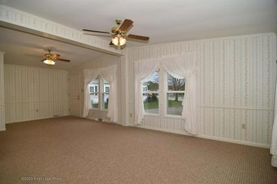 127 LITTLE POND RD, South Kingstown, RI 02879 - Photo 2