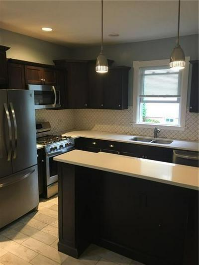 172 OAKLAND AVE, Providence, RI 02908 - Photo 2