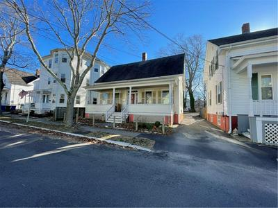 14 LINCOLN AVE, Bristol, RI 02809 - Photo 2