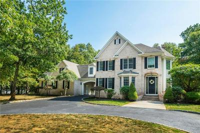 70 TIPPING ROCK DR, East Greenwich, RI 02818 - Photo 2