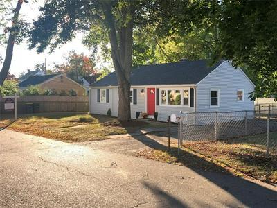 3 CENTER RD, Smithfield, RI 02828 - Photo 2