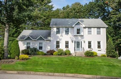 30 DERBYSHIRE DR, Cranston, RI 02921 - Photo 1