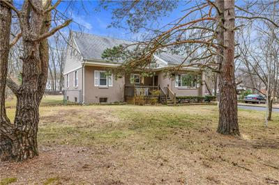 21 OLD GREAT RD, LINCOLN, RI 02865 - Photo 2