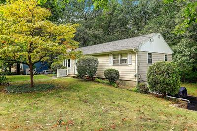 145 MAPLEWOOD DR, East Greenwich, RI 02818 - Photo 2