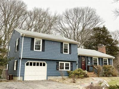 156 BRIARBROOK DR, North Kingstown, RI 02852 - Photo 2