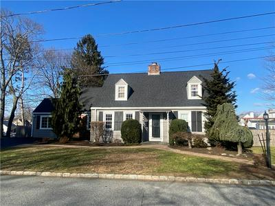 101 AUSDALE RD, Cranston, RI 02910 - Photo 1