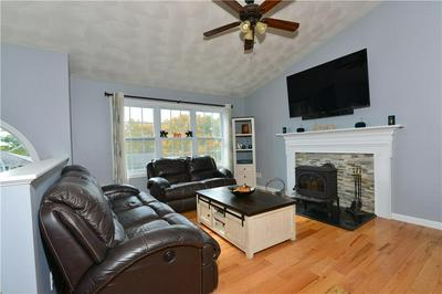 70 SOPHIA DR, Warwick, RI 02886 - Photo 2