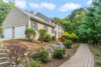 2055 MIDDLE RD, East Greenwich, RI 02818 - Photo 1
