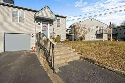 565 QUAKER LN APT 30, West Warwick, RI 02893 - Photo 1