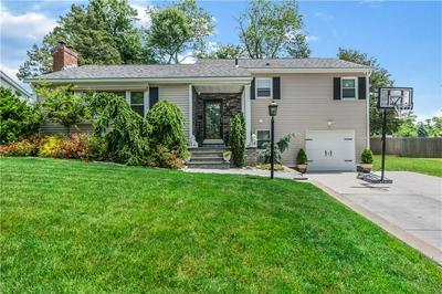 25 PRISCILLA DR, Cranston, RI 02921 - Photo 2