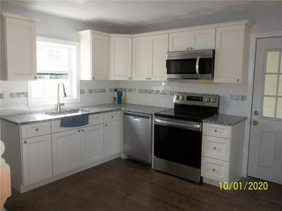 82 STRAWBERRY FIELD RD, Warwick, RI 02886 - Photo 2