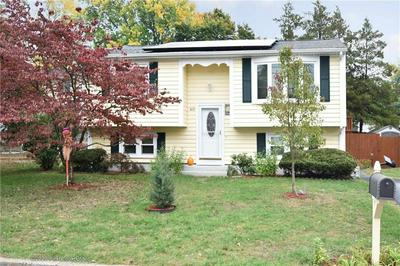 40 OAKRIDGE CT, Warwick, RI 02886 - Photo 1