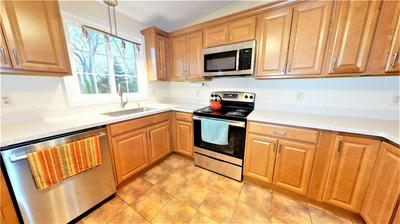 25 SOPHIA DR, Warwick, RI 02886 - Photo 2