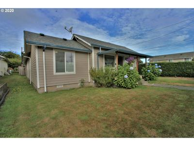 2406 EVERETT AVE, North Bend, OR 97459 - Photo 2