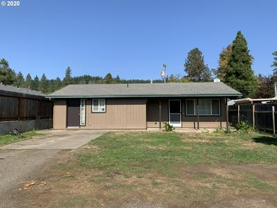 451 W FIRST AVE, Sutherlin, OR 97479 - Photo 1