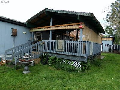 825 W DEAN AVE, SUTHERLIN, OR 97479 - Photo 2