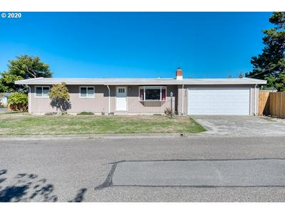 2484 COMMERCIAL ST, North Bend, OR 97459 - Photo 1