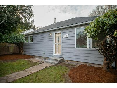 9437 N PORTSMOUTH AVE, Portland, OR 97203 - Photo 1