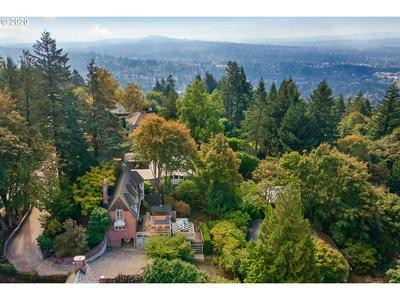 4469 SW GREENLEAF DR, Portland, OR 97221 - Photo 1