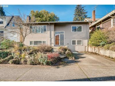 3235 NE 61ST AVE, Portland, OR 97213 - Photo 2