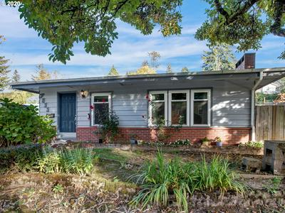 7822 SW CAPITOL HILL RD, Portland, OR 97219 - Photo 1