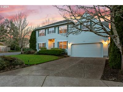 14708 SW PEAK CT, Portland, OR 97224 - Photo 2