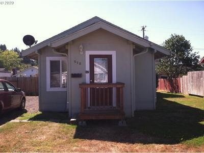 958 GREENWOOD AVE, Reedsport, OR 97467 - Photo 1
