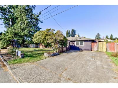 11008 NE 42ND ST, Vancouver, WA 98682 - Photo 2