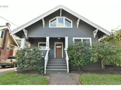 3920 SE GRANT ST, Portland, OR 97214 - Photo 1