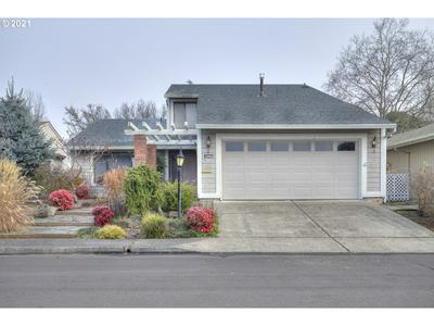 15760 SW HIGHLAND CT, Tigard, OR 97224 - Photo 1