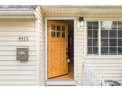 9923 N SYRACUSE ST, Portland, OR 97203 - Photo 2