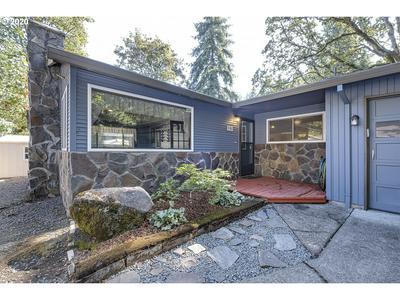 985 HAZELWOOD DR, Oregon City, OR 97045 - Photo 2