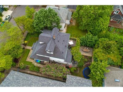 8065 SE 16TH AVE, Portland, OR 97202 - Photo 2