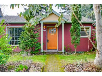 8305 N WAYLAND AVE, Portland, OR 97203 - Photo 1