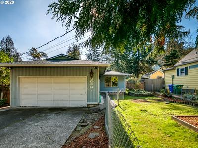 4048 SW WILBARD ST, Portland, OR 97219 - Photo 2