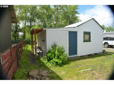 132 NW CANTON ST, John Day, OR 97845 - Photo 2