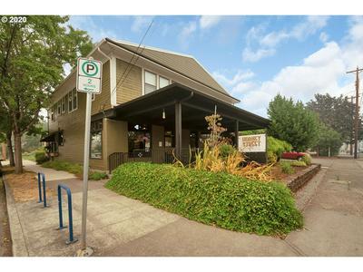 8325 SE 17TH AVE, Portland, OR 97202 - Photo 2