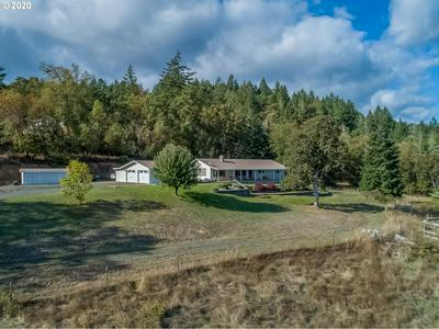 285 WHITE OAK LN, Roseburg, OR 97471 - Photo 1