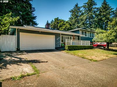 805 NE 195TH AVE, Portland, OR 97230 - Photo 1